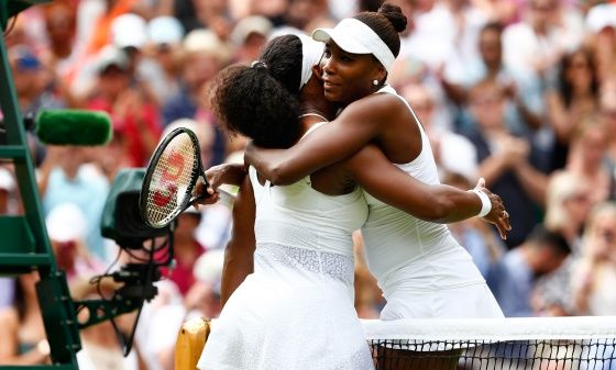 Serena Williams gana a su hermana Venus en Wimbledon