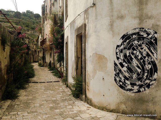 martina san paolo abandoned ragusa http://www.blocal-travel.com/italy/south-italy/sicily/ragusa/ragusa-off-beaten-path/
