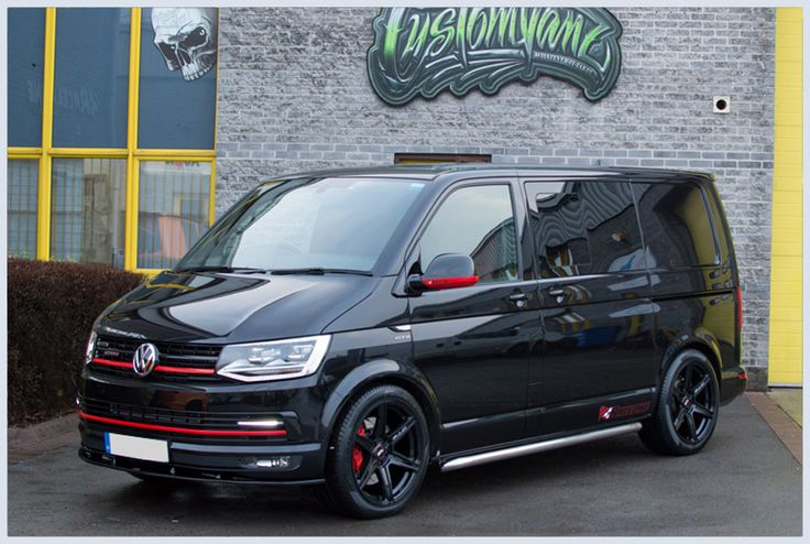 VW-T6-TRANSPORTER-RACELINE-GTS-IN-DEEP-BLACK-PEARL-204PS-DSG-HIGHLINE-KOMBI
