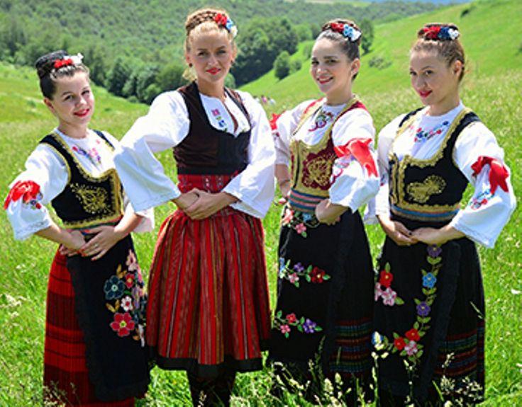 Serbian beautiful country girls   national costumes