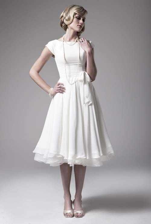 knee length wedding dresses | Knee length wedding dresses with sleeves seem almost conservative ...