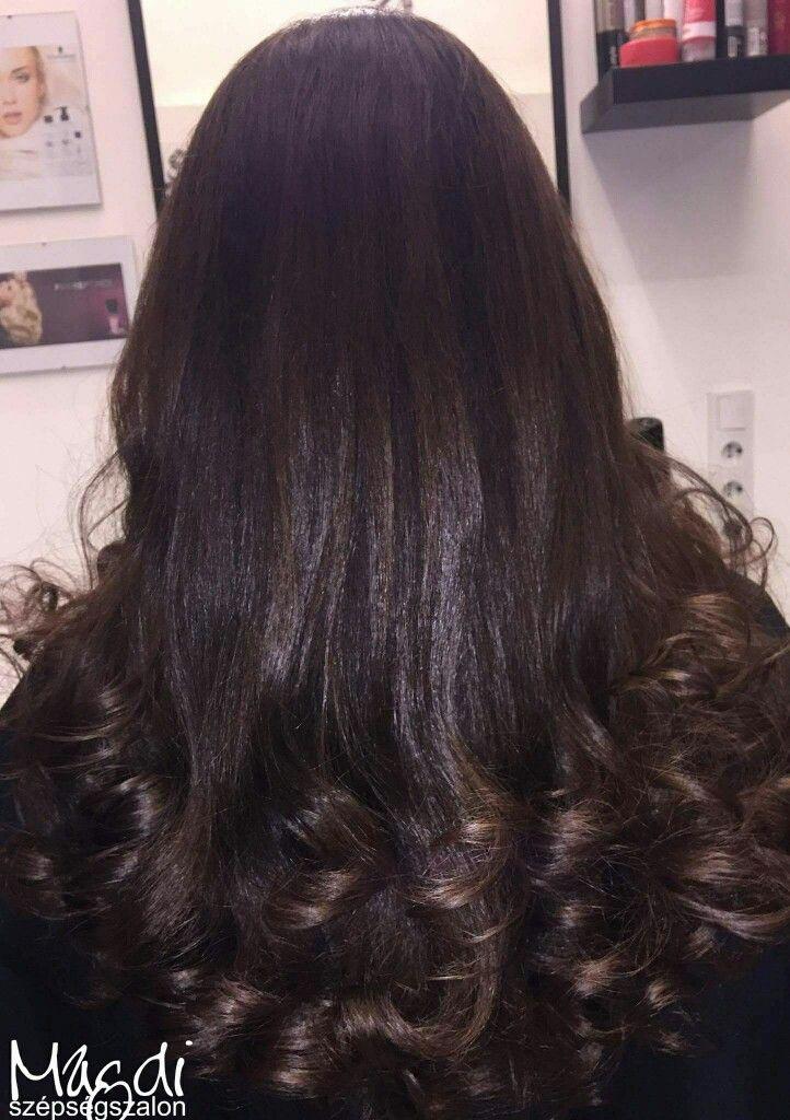 Noémi festésével csodaszép lett, az amúgy is gyönyörű haja. Nektek is tetszik? 😃  www.magdiszepsegszalon.hu  #ammoniamentesfestés #hairfasion #hair #hosszúhaj #festetthaj #haircolor #beautysalon #szépségszalon #fodraszat #hairdresser