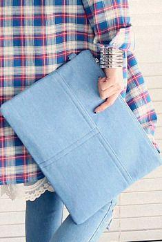 Today's Hot Pick :コットンカラークラッチスクエア http://fashionstylep.com/SFSELFAA0006879/aurajjp/out シンプルなデザインのクラッチバッグ。 ナチュラルな風合いのコットン素材を使用し、カジュアルなムード♪ デザインはシンプルでおなじみ☆ ベーシック系からアクセント系までカラーバリエーションが豊富◎