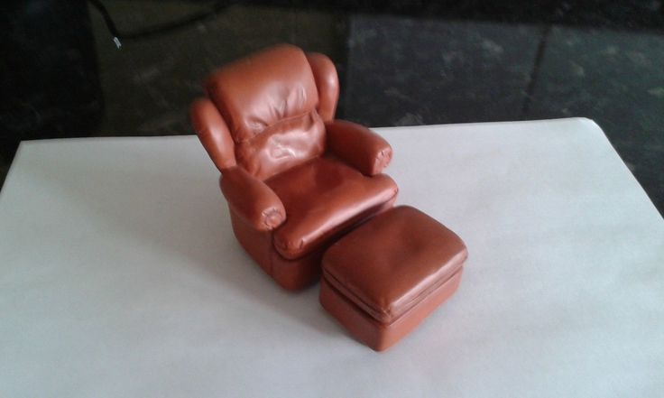 12TH SCALE DOLLS HOUSE ARMCHAIR AND FOOTSTOOL | eBay