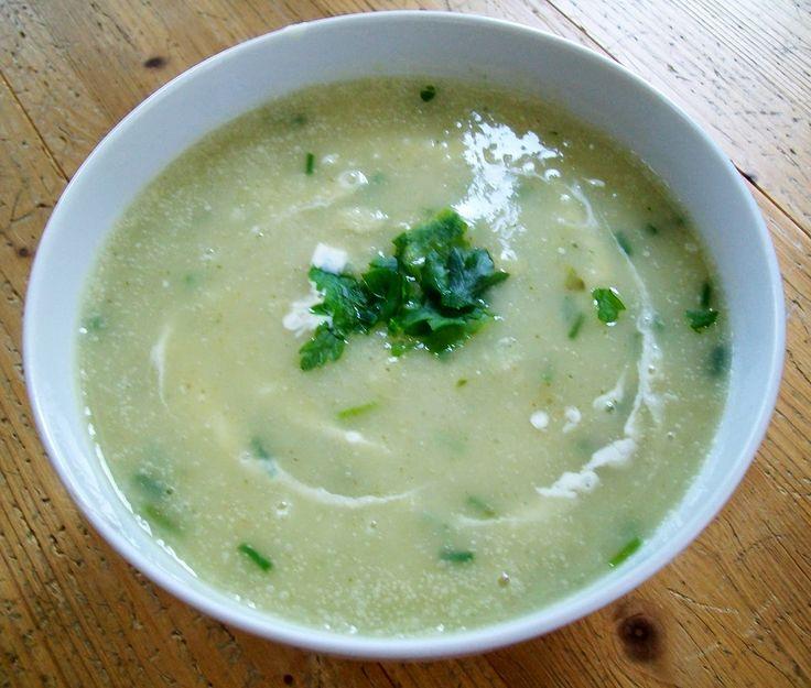 vegan rezepte bio regional saisonal petersil wurzel creme suppe. Black Bedroom Furniture Sets. Home Design Ideas