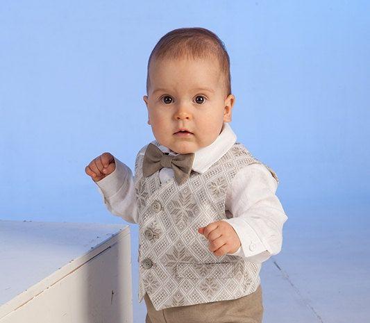 Bébé garçon gilet en lin anneau porteur gilet garçon naturel gilet gilet de garçon mariage rustique photographie bébé garçon garçon gilet formelle huit pointes motif étoile par Graccia
