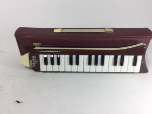 Up for sale a 1970's Hohner melodica piano 27 and case! It's in great working condition, the mouthpiece just needs to be added to be able play! This instrument is the perfect addition to any extra lay