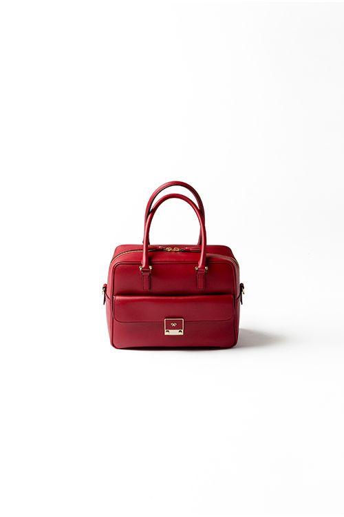 Kyoko Kikuchi's Closet   理想の赤バッグは、定番カーカで発見