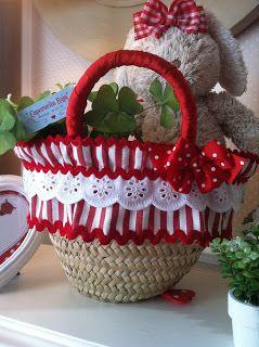 Caperucita Roja: cestos de paja