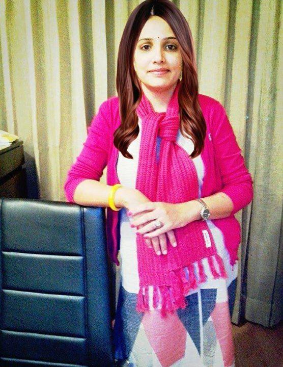 Bindu Ahlawat looks so #stylish in this W wear on her #birthday.