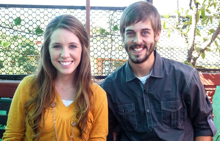 Jill Duggar and Derick Dillard's Inappropriate PDA | Hot Moms Club
