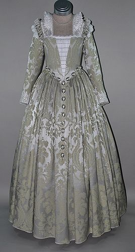 16th Century Venetian Noble gown, made of damask and trimmed with lace ruffs and pearls.