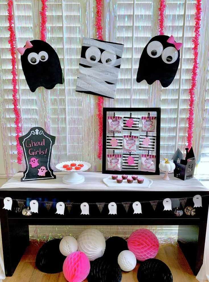 Black White And Pink Halloween Party Ideas Photo 1 Of 11 White Halloween Party Halloween Party Pink Halloween