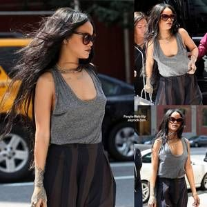 "Rihanna a été aperçue dans les rues new-yorkaise pres du restaurant "" Da Silvano"" ( mardi (19 Août) à New York. )"