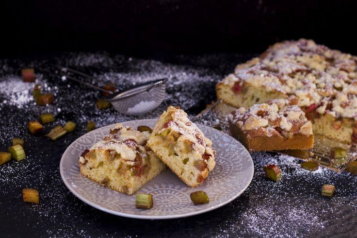 Yoghurt Cake with Rhubarb