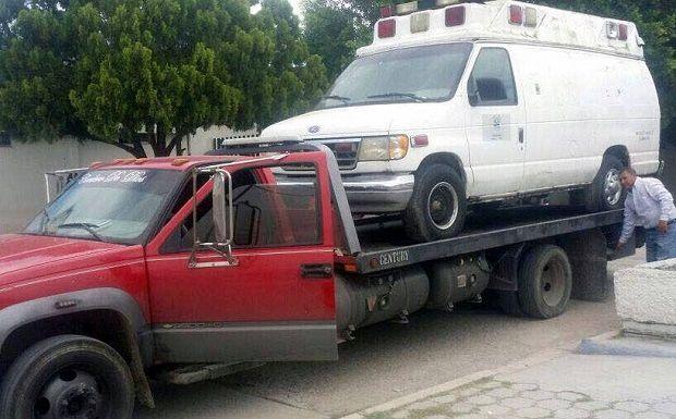 Arranca reparación de Ambulancias en un esfuerzo conjunto entre Ayuntamiento y Hospital de San Fernando. - http://www.esnoticiaveracruz.com/arranca-reparacion-de-ambulancias-en-un-esfuerzo-conjunto-entre-ayuntamiento-y-hospital-de-san-fernando/