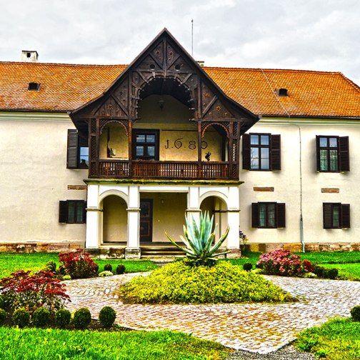 Cât costă și unde te poți caza la un castel în România