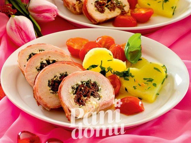 Roladki z kurczaka z suszonymi pomidorami - przepis na pyszne i lekkie danie z drobiu.