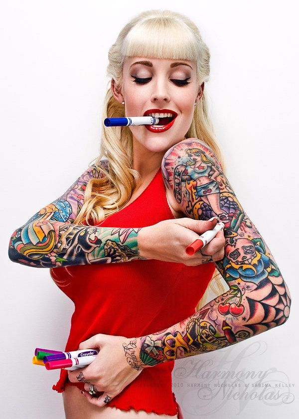 Classic look tattooed girl! #tattoo