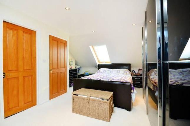 4 bedroom property for sale in Arnold Crescent, Twickenham TW7 - 30786950