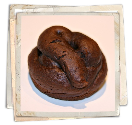 """""""Poop"""" Muffins - LOL! Detailed instructions on the blog. Definitely doing this for April Fool's Day."""