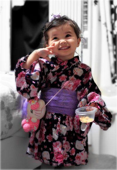 Aww so cute in her kimono :)