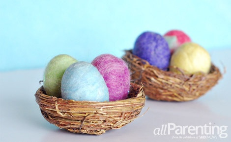 Fun felted Easter eggs - Easy tutorial!