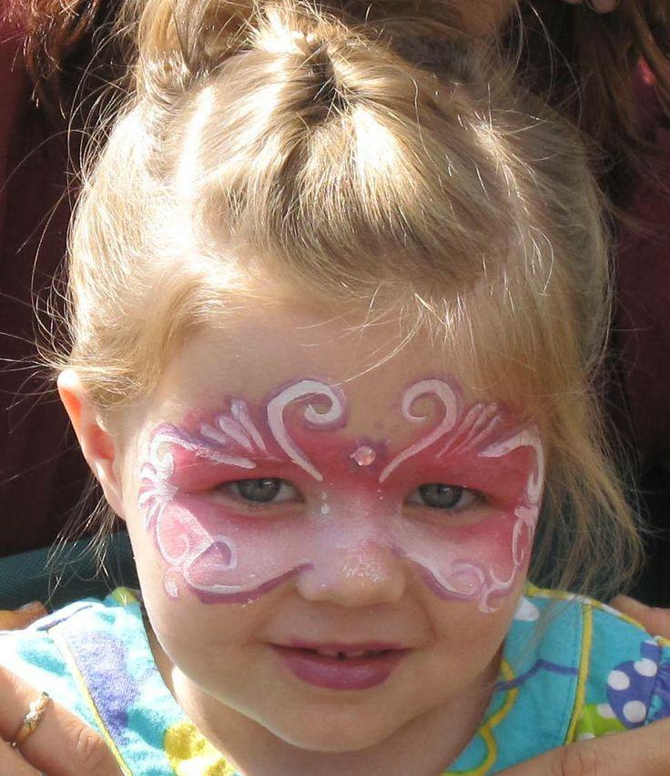 Søt liten prinsessemaske malt av ansiktsmaler.no
