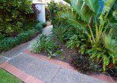 Carrington Court - Lush Gardens - Gold Coast Theme Park Accommodation