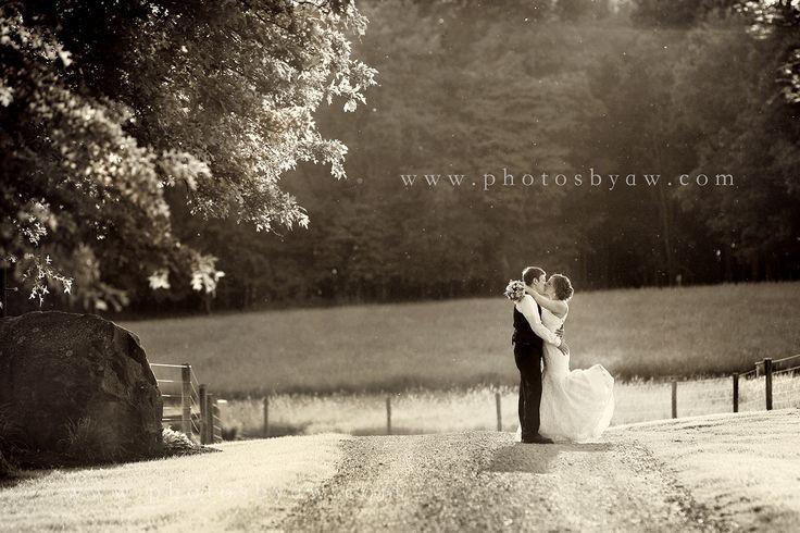 Amanda & Scott - rustic black and white farm wedding, dirt road wedding, Photography by Amanda Wilson - www.photosbyaw.com Armstrong Farms
