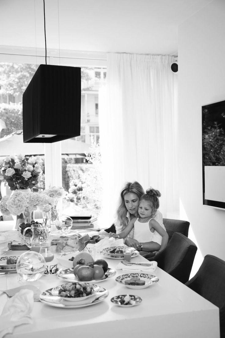 Nikkie Plessen vertelt over haar kunst- en designverzameling en geliefde interieurstylisten
