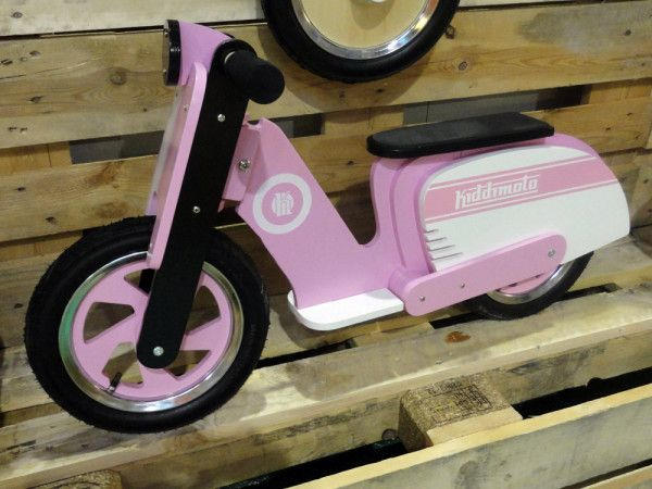 BFS15_Kiddi-Moto_Scooter_laminated-wood_kids_balance-bike_Pink-Stripe_vespa-replica