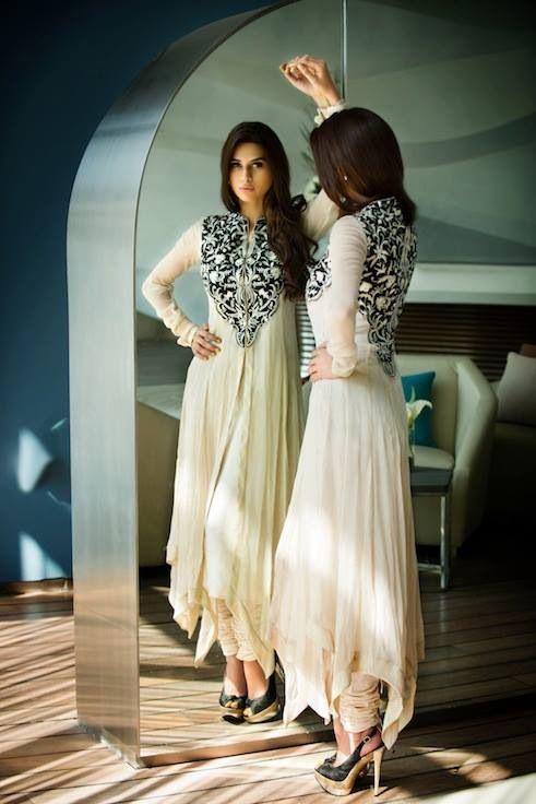 Stunning black and white chiffon shalwar kameez. Pakistani dress.