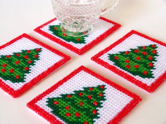 Drink Coasters Plastic Canvas Christmas Tree by HometownUSA Más