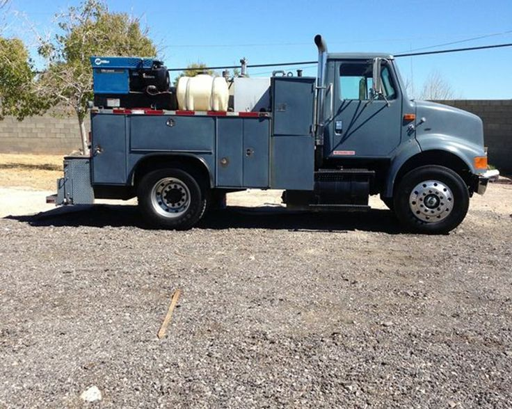 1997 international 8100 service truck from rock hard