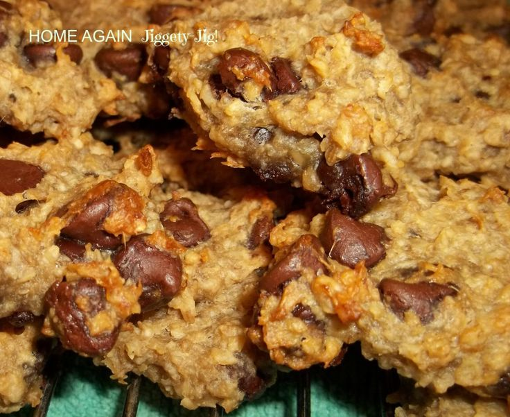 These SO YUMMY Oatmeal, Banana, Chocolate Chip cookies have no added sugar or flour, are diabetic friendly and gluten free.