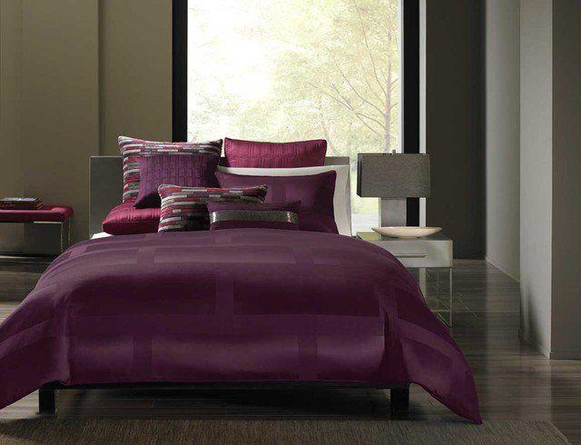 couleur-chambre-coucher-combinaisons-linge-lit-lilas-foncé-revêtement-sol-gris-murs-gris couleur chambre