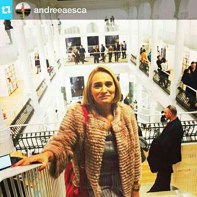 Stunning Andreea Esca wearing @paisifurs at Carturesti opening ❤