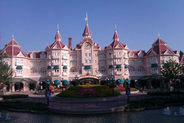 Disneyland :))