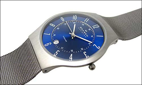 The Skagen 233XLTTN. Made from 100% titanium, its the perfect watch accessory for my suit days. It's got a wonderful ultra-slim profile - a welcome break from snagging my dress shirts on chunky watches.