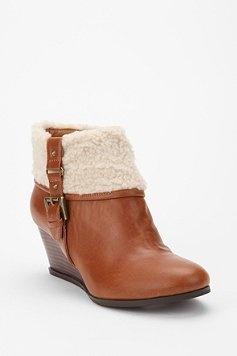 Foldover bootie.: Proposit 65, Sherpa Wedges, Foldover Booty, Bdg Foldover, Wedges Urbanoutfitt, Heart Boots, California Proposit, Foldover Sherpa, Cozy Booty