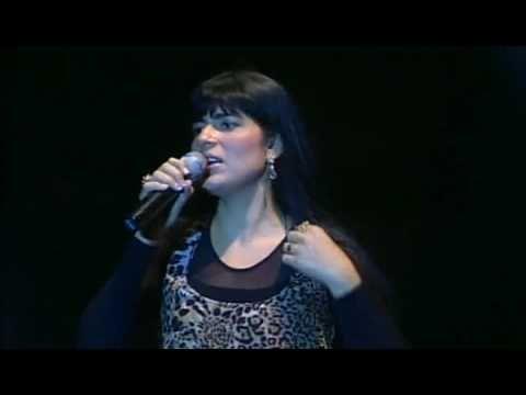 Cifra Club | AOS TEUS PÉS - Fernanda Brum