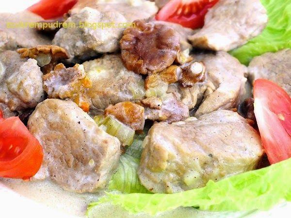 z cukrem pudrem: Polędwiczki wieprzowe z kurkami w sosie śmietanowym