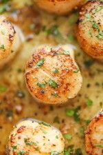 Lemon Butter Scallops - All you need is 5 ingredients and 10 minutes for the most amazing, buttery scallops ever. Yes, it's just that easy and simple!
