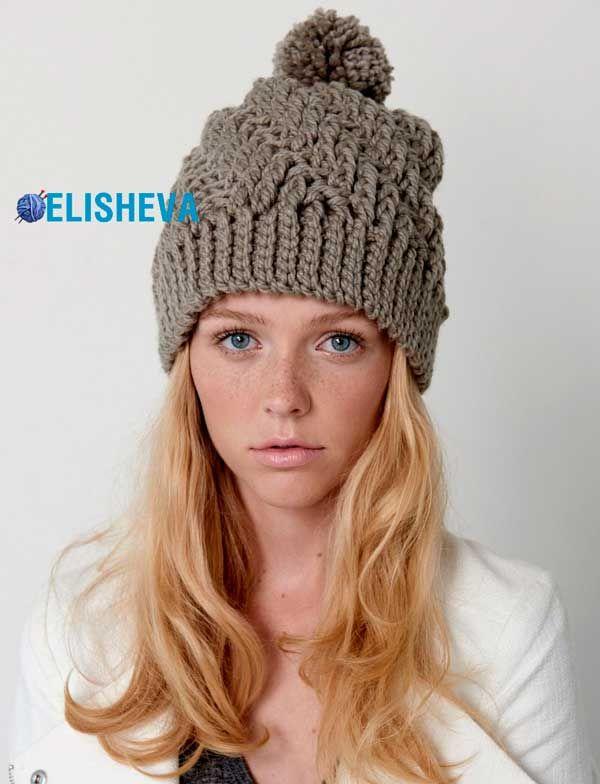 Женская шапка от Bernat с узором из рельефных столбиков вязаная крючком