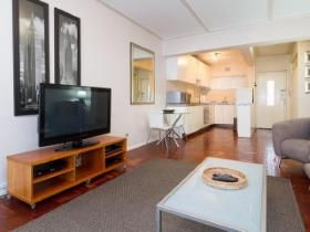 2 Bedroom Apartment / flat for sale in Three Anchor Bay - Cape Town