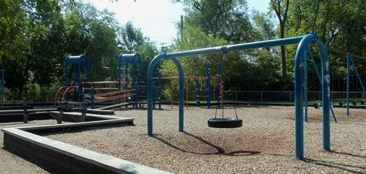 LORRAINE HANSBERRY PARK, located on S. Indiana Ave. between E. 56th and E. 57th Streets, is .28 acres. While there is no structured programming taking place at this location, we invite you to check out our great programs offered at nearby Washington Park.