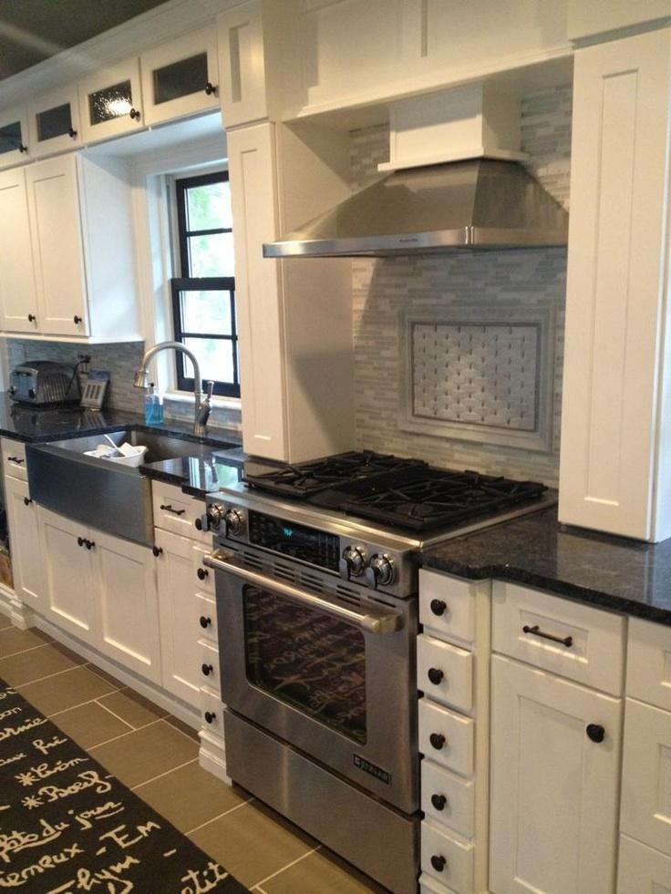 White shaker black hardware kitchen pinterest for Black hardware on white kitchen cabinets