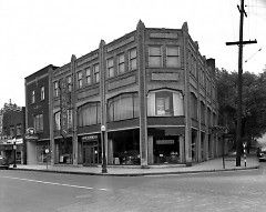 1504 Plainfield Avenue Northeast