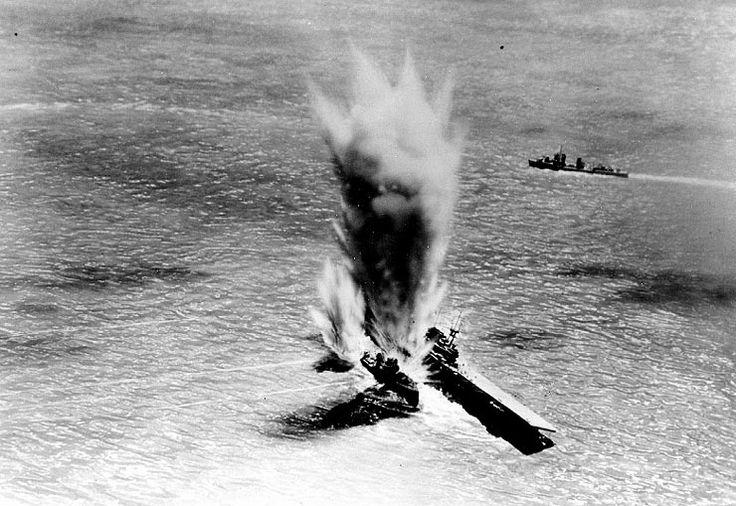 Plik:USS Hammann alongside USS Yorktown-both torpedoed.jpg